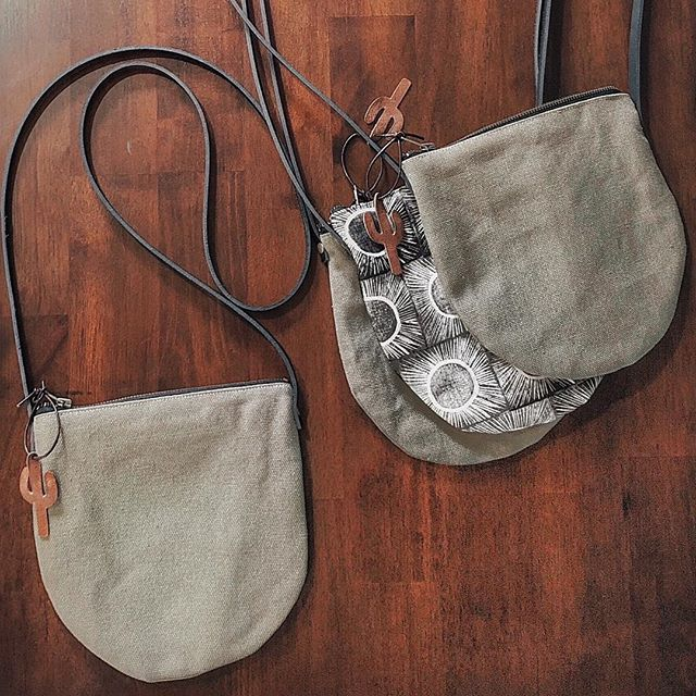 Started off the day with a big ol' delicious cup of freshly brewed coffee ☕️ and now we're getting ready to ship these crossbody bags off to there new home! Thanks for the DM inquiries! 🌵🧡
