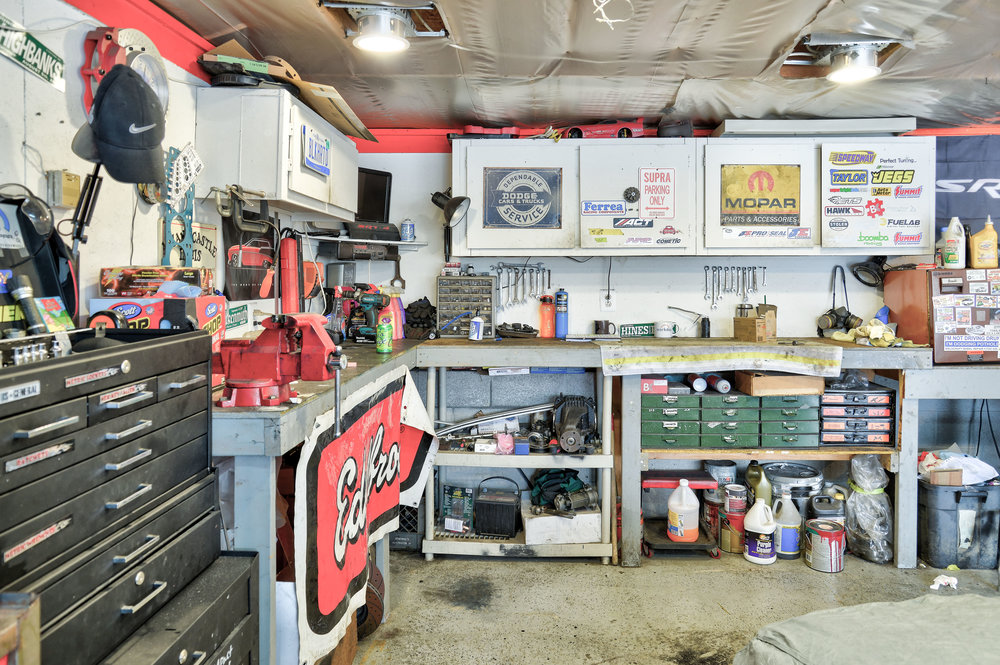 Every car enthusiasts dream garage, complete with furnace!