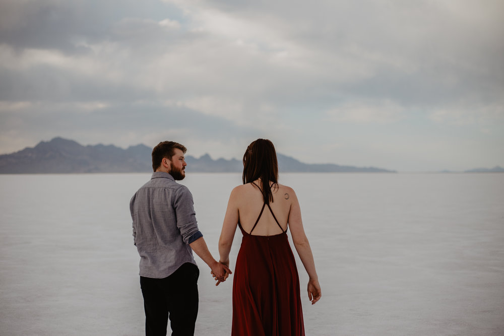 willowandco_couples_engagement_saltflats_2018