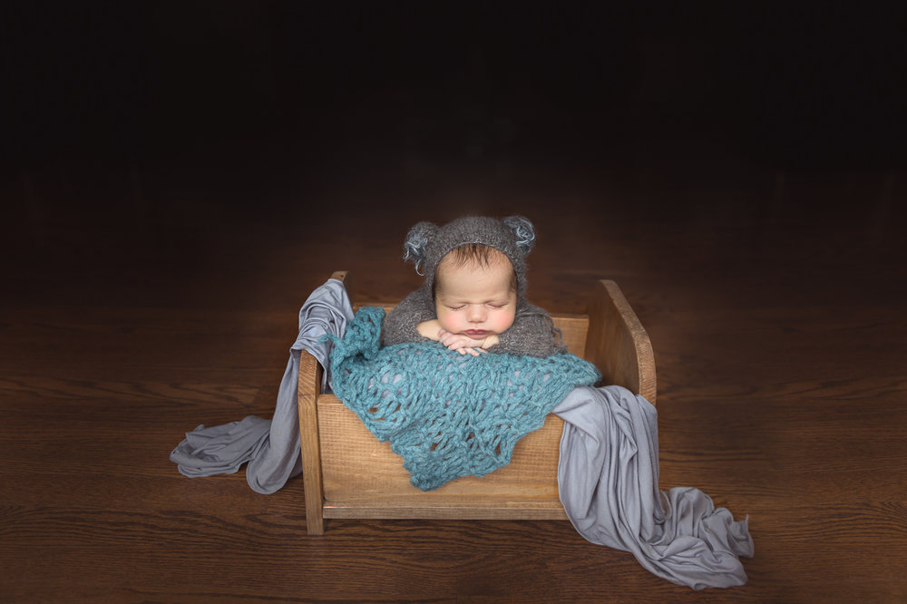 nyc newborn photoshoot instudio photographer baby bear-0856.jpg