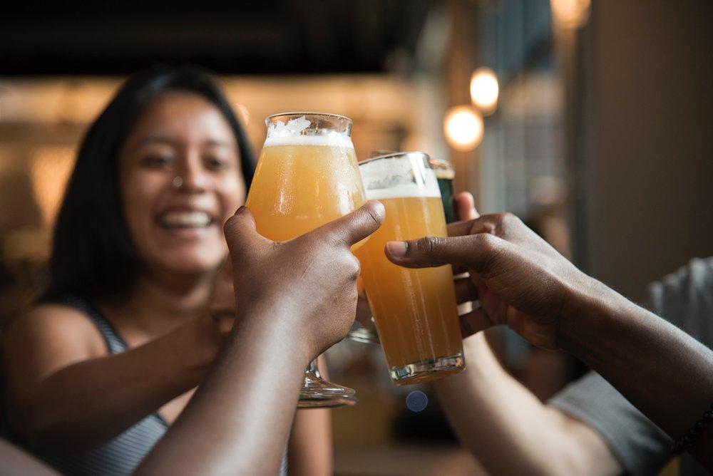 alcoholic-beverage-bar-beer-1269025.jpg