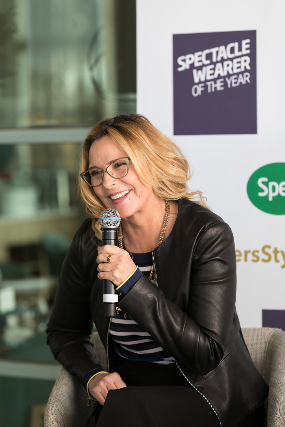 Head-Judge-and-Ambassador-for-Spectacle-Wearer-of-the-Year-Kim-Cattrall-2_Photography-by-Jono-Parker.jpg
