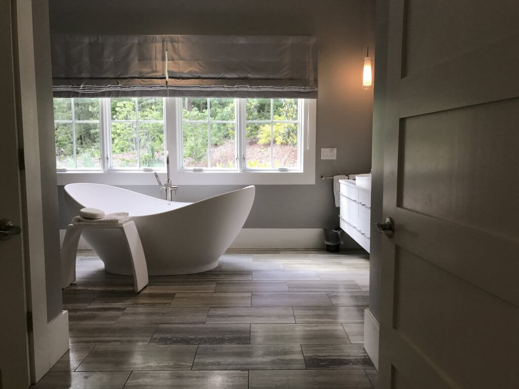 mold-proof-hydrotherapy-bath-tubs-luxury-mti-baths-kathleen-jennison-juliet-tub