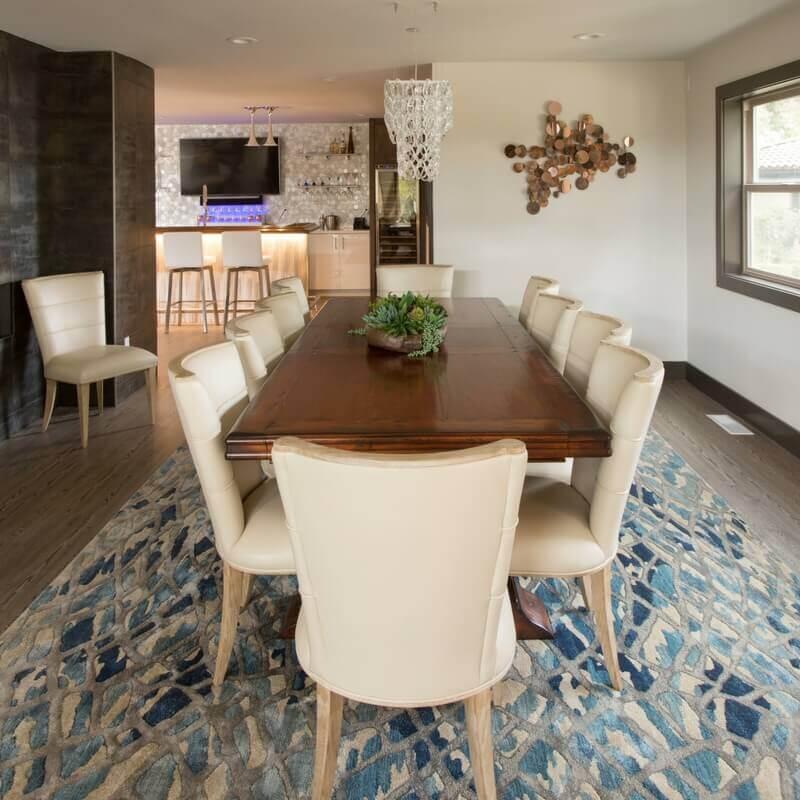 ktj-design-co-dining-room-navy-blue-rug-copper-succulants