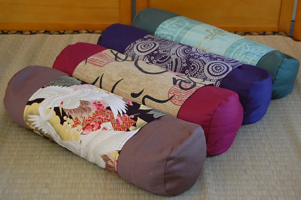 buckwheat pillow cylinder.jpg