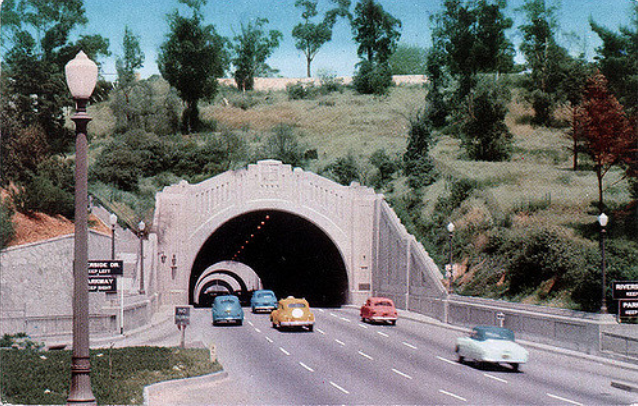 Figueroa-Street-Tunnels-Los-Angeles-circa-1940s-later-became-the-Pasadena-Freeway-the-1st-Freeway-in-the-US.png