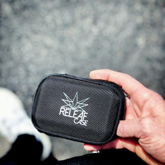 Always on the go 🏃🏻♂️, so you gotta have your @releafcase with you at all times for immediate releaf 💨 . . . #cannabis #cannabiscommunity #weed #weedporn #vapes #likeforlikes #vapenation #releafkey #kush #ganja #marijuana #mmj #cbd #cbdoil #cbdvape #420 #710 #710society #710life #420daily