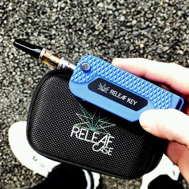 """Who's got the Tuesday Blues?! 👋🏻 🦕 . CHEER UP w/ @releafcase - """"flip it and rip it"""" 💨 . • the most powerful key #vape on the market • ————————————————————— #cannabiscommunity #vapes #vapenation #concentrates #sativa #indica #dispensary #dispensarylife #mmj #vapepen #likeforlikes #lifestyle #cannabisculture #weed #weedporn #710 #710society"""