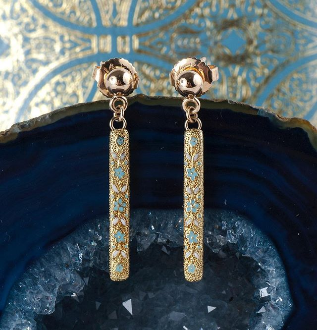 A sweet little pair of enamel flower lingerie pin conversion earrings. Can you believe these were once used to hold up women's undergarments nearly 120 years ago?! Coming soon  #lingeriepin #antiqueearrings #somethingold #somethingblue #enamel #antique #1900s #vintagebride #weddingearrings #instore #etsy #coppercanary #carlsbadvillage