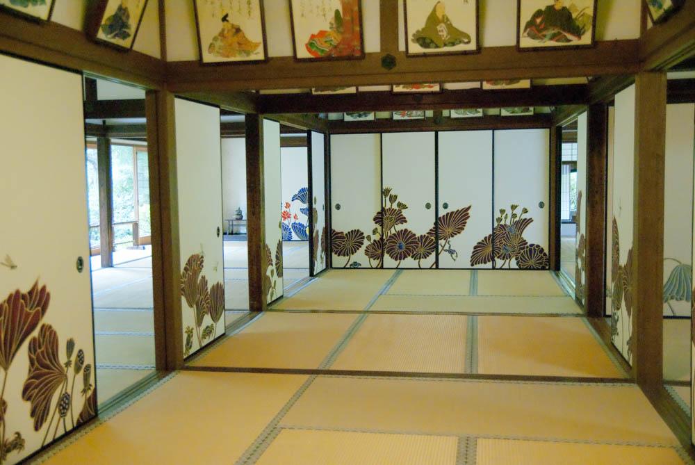 Inside the Shoren-in temple