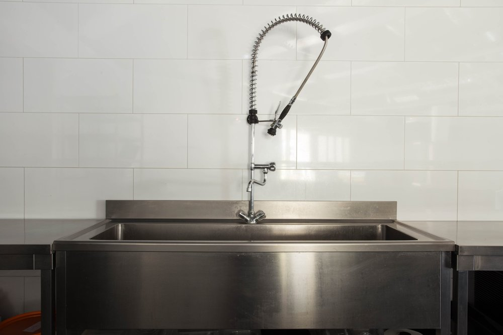 Equipment - Three Compartment SinkHand Wash SinkShared Dry, Cold & Frozen StorageCommercial Exhaust HoodStainless Steel Work BenchesCommercial Refrigeration