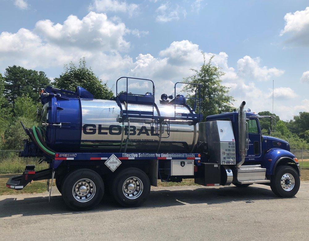 3000 gallon vac truck.jpg