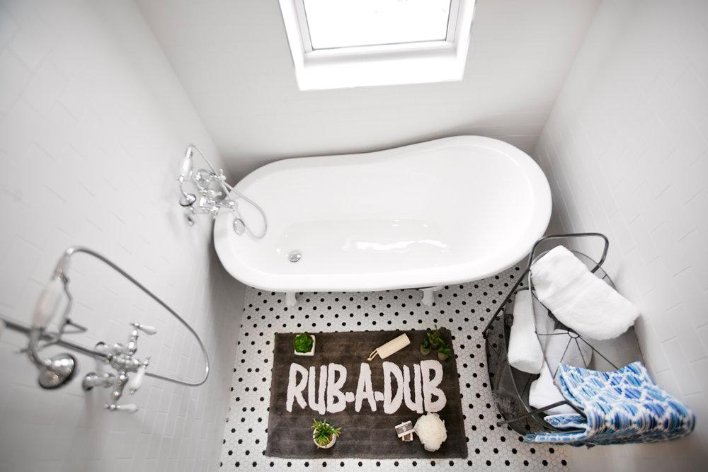 THE BATHROOM - Vintage Rub-a-dub!