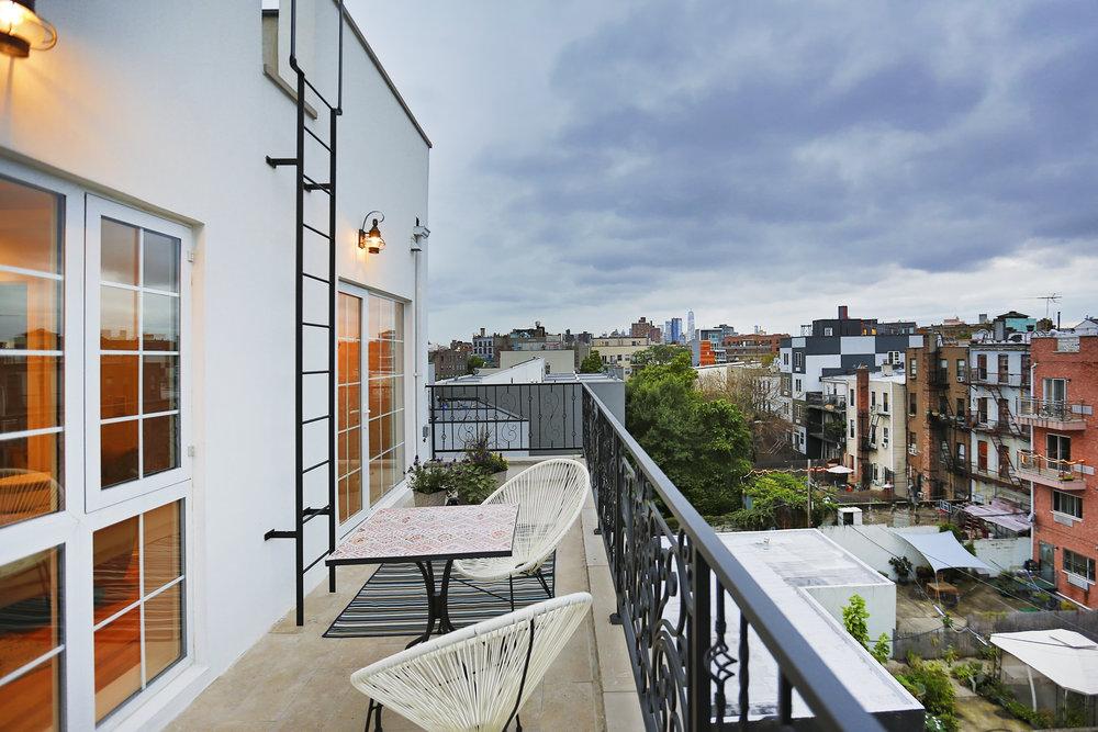 4B balcony.jpg