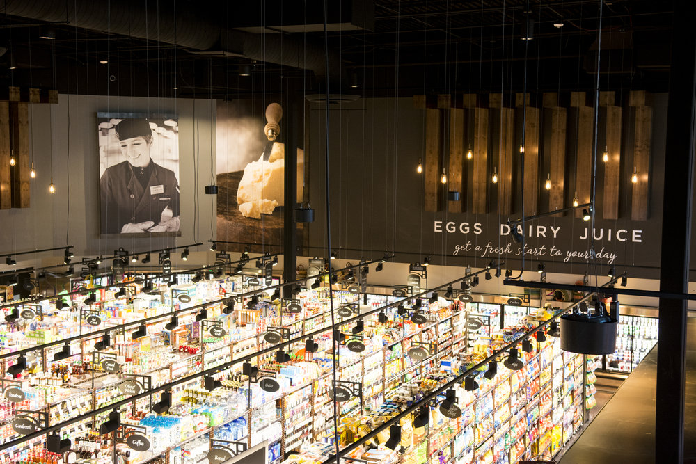 - 10 Examples of Store Decor Guaranteed to Inspire You