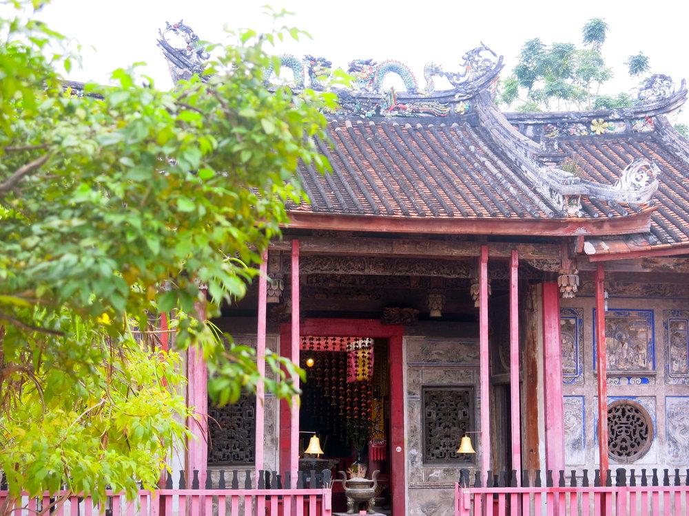 No tourist around the shrine…