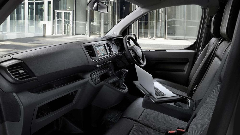 peugeot-expert-interior.306178.17.jpg