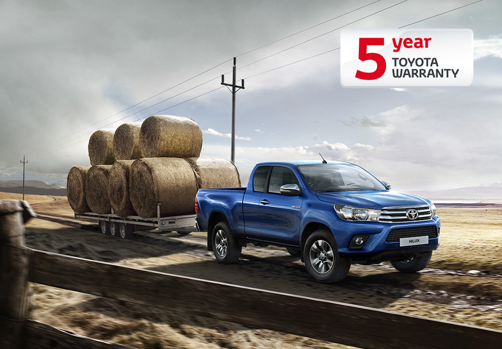 Toyota Pickup Blue with Trailer