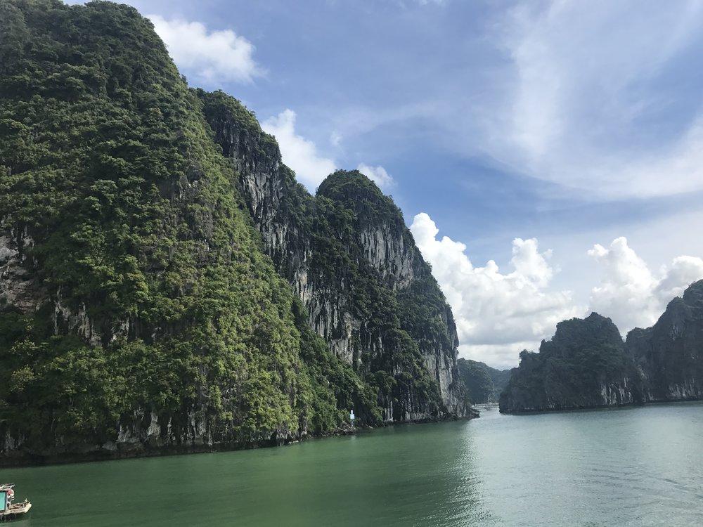 Ha Long Bay - Un lugar increíble, con las mejores vistas en donde te puedes conectar con la naturaleza.
