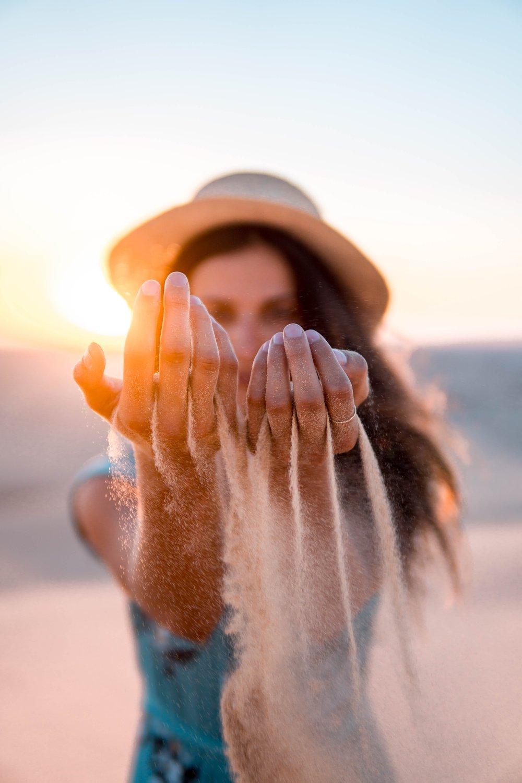 La Crema Super Idratante Pelli Secche - Agisce efficacemente per ricostituire il film lipidico.Durante la giornata dona alla pelle una continua sensazione di pienezza e nutrimento mentre nell'applicazione notturna ricostituisce il film lipidico.L'utilizzo quotidiano della Crema Pelli Secche nutre ed idrata la pelle al fine di mantenerla giovane più a lungo rallentando il naturale processo biologico di invecchiamento.Protegge efficacemente la pelle da agenti esterni (fisici e chimici) e dai fattori ambientali quali freddo, smog e vento.