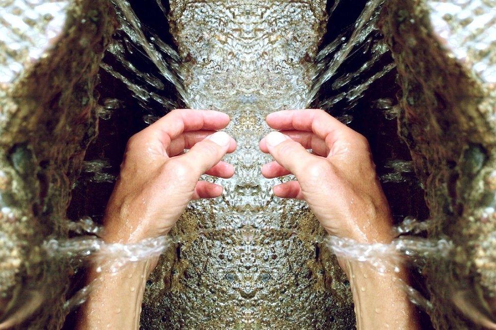 Lavare le mani in modo giusto! - Per quanto non ci si pensi, la cura delle mani comincia proprio dal lavaggio..
