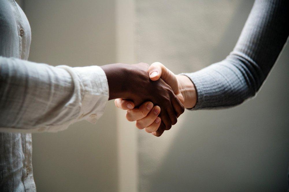 Le mani sono il nostro biglietto da visita… -