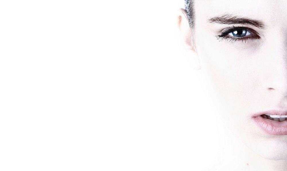 Le cellule riducono la produzione di collagene e di elastina. -