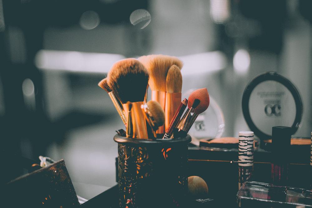 Perciò prima di iniziare l'attività fisica la pelle deve essere detersa da ogni traccia di make-up! -