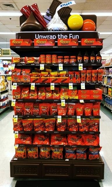 Hershey Grocery Display LH Gamble