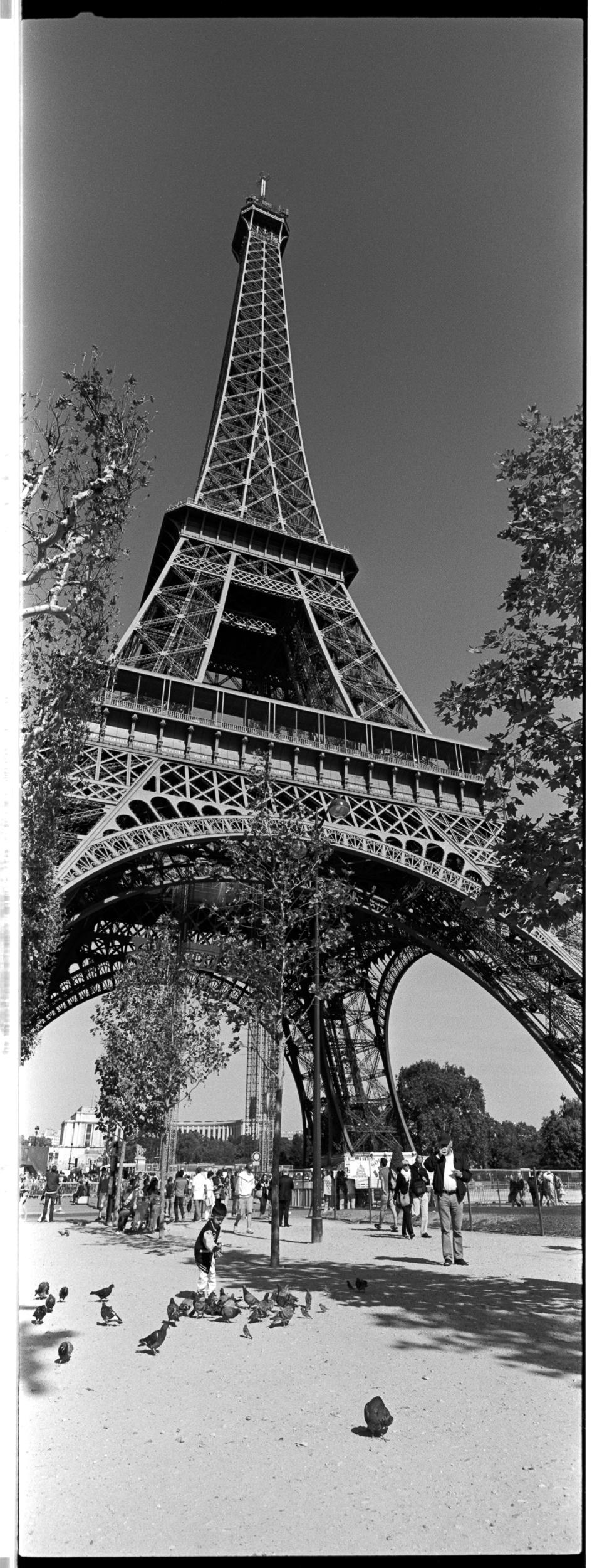 76-FranceXpanBW122.jpg