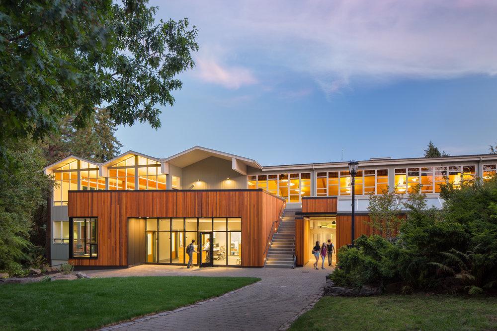 Lewis & Clark College - Templeton Student Center / Dangermond Keane Architecture