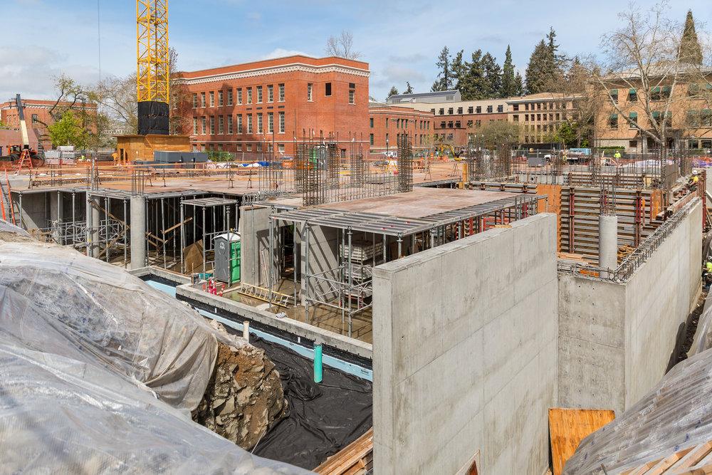 UO TYKESON HALL / Pence Construction