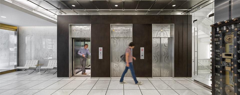 Spalding-JoshPartee-5652-whole-lobby-people.jpg