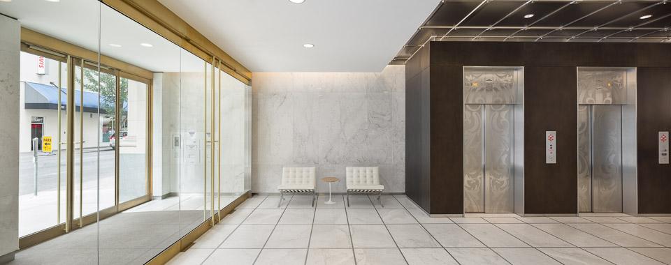 Spalding-JoshPartee-5922-lobby-wide.jpg