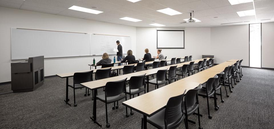 Zabel-JoshPartee-1747-classroom-152.jpg