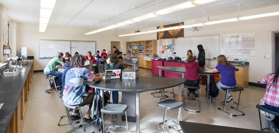 Franklin High School / Hennebery Eddy Architects