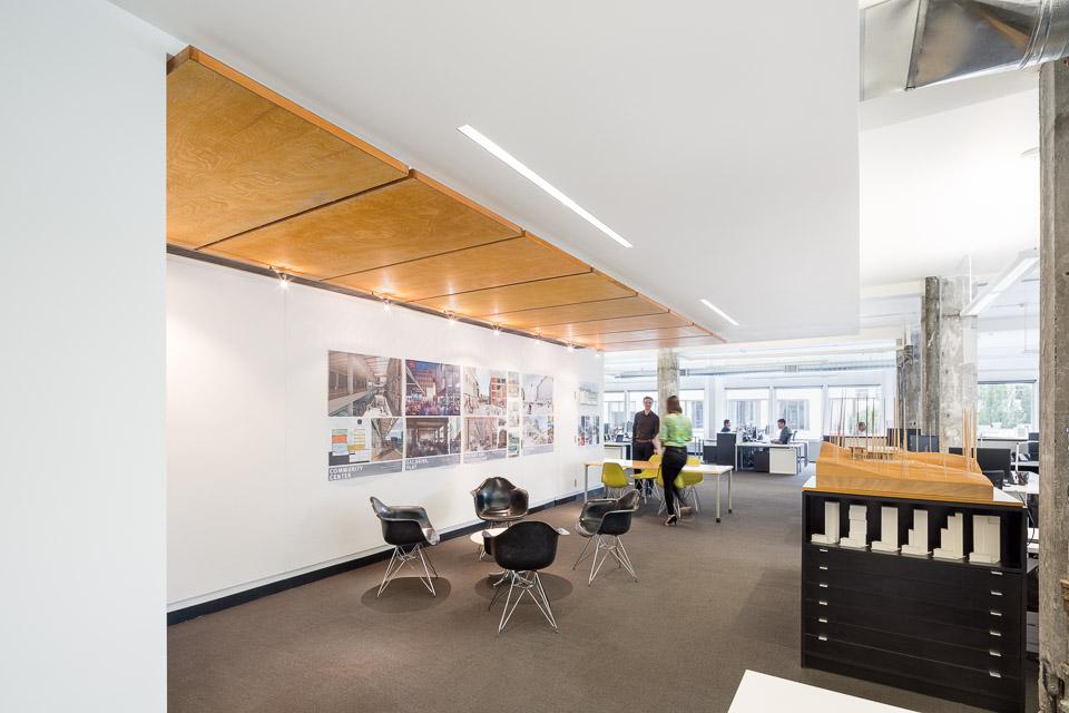HEA-Office-JoshPartee-0703-collab-area.jpg