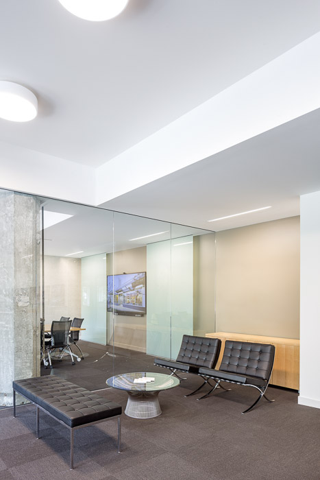 HEA-Office-JoshPartee-1343-entry-stg-grp.jpg