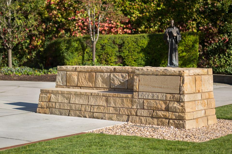 SeattlePrep-JoshPartee-8331-ext-stone-bench.jpg