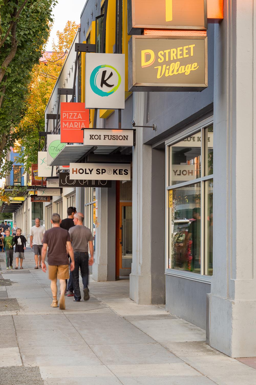 35-D-Street-JoshPartee-9685-sidewalk-signs.jpg