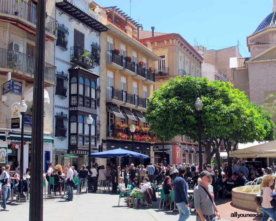 3). Plaza de las Flores - Part of the old town and encased with shops, coffee shops, trees & wooden benches, this charming public square has flower stalls that surround the central fountain. Hence the name 'Plaza de las Flores'.Location - East of Murcia city centre.