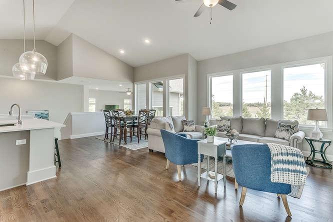 6310 Driftwood Wichita KS-small-005-22-Living Room-666x444-72dpi.jpg