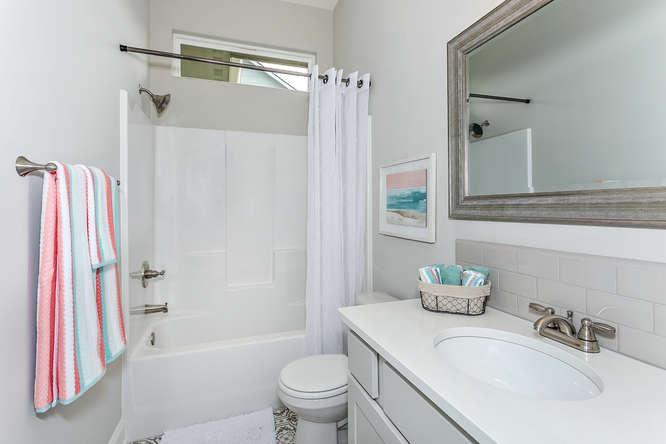 6310 Driftwood Wichita KS-small-017-13-Bathroom-666x444-72dpi.jpg