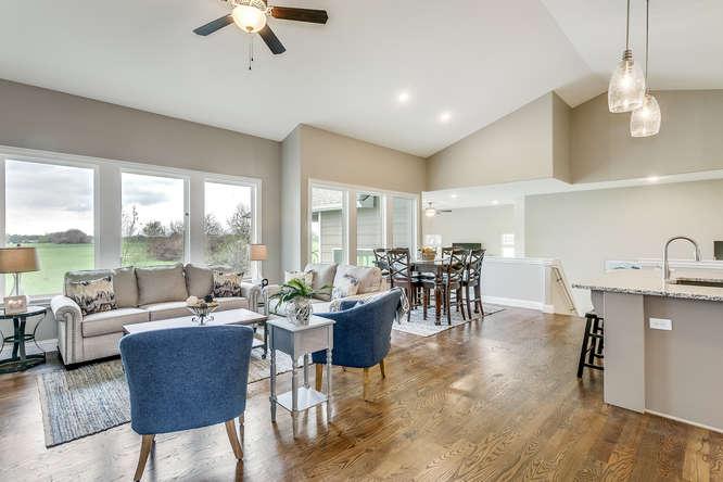4315 N Ridge Port St Wichita-small-005-16-Living Room-666x445-72dpi.jpg