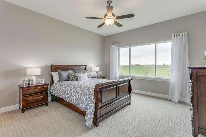 4315 N Ridge Port St Wichita-small-014-10-Master Bedroom-666x445-72dpi.jpg