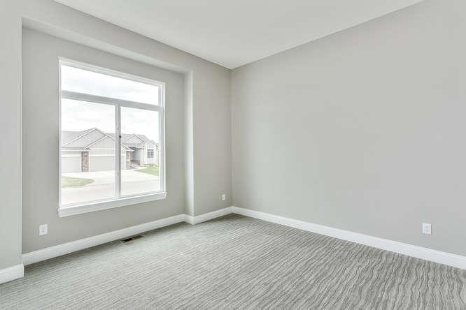 4315 N Ridge Port St Wichita-small-021-21-Bedroom 2-666x445-72dpi.jpg