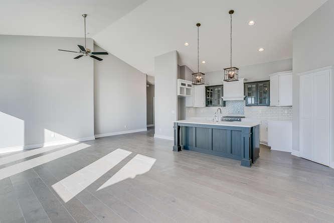 6009 Driftwood Wichita KS-small-007-1-Living Room-666x445-72dpi.jpg