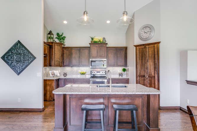 4312 N Ridge Port St Wichita-small-009-12-Kitchen-666x444-72dpi.jpg