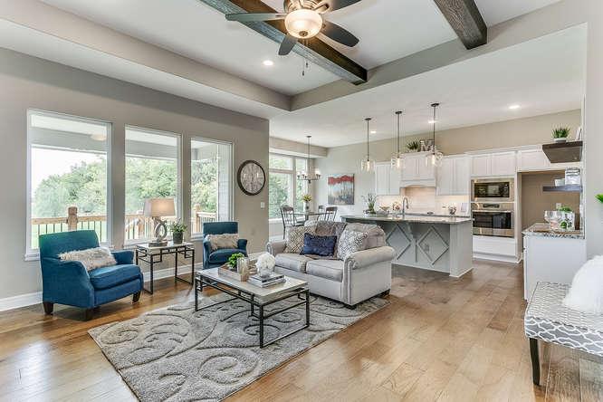 6313 Driftwood Wichita KS-small-005-18-Living Room-666x445-72dpi.jpg