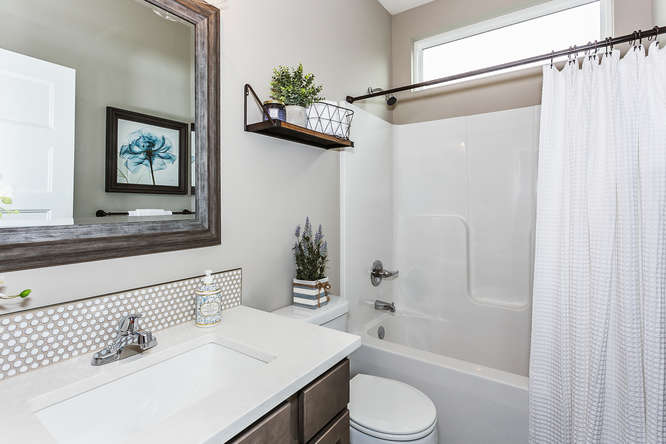 6313 Driftwood Wichita KS-small-024-4-Bathroom-666x445-72dpi.jpg